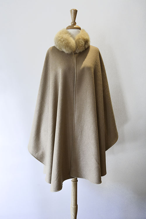Cape with Fur Collar - Camel