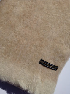 Alpaca Brushed Natural Knee Rug – Sand